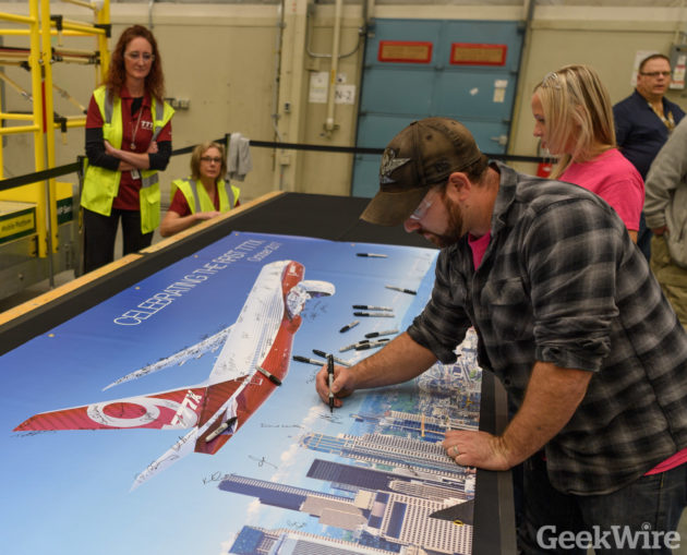 Boeing workers sign 777X banner