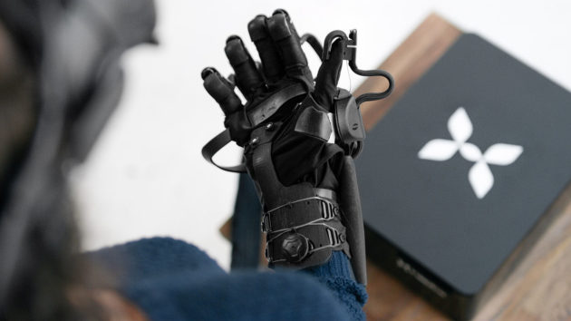 HaptX reveals high-tech haptic gloves that let you feel and touch in virtual reality – GeekWire - HaptX Glove A 630x354 - HaptX reveals high-tech haptic gloves that let you feel and touch in virtual reality – GeekWire