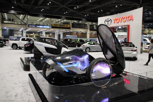Toyotas Futuristic Wheeler Jaguars Hightech Circuit And More - Toyota show car