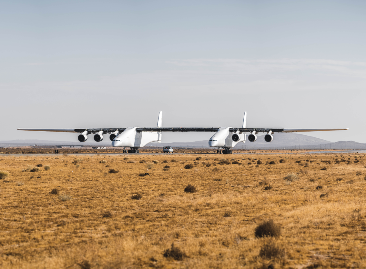 Stratolaunch taxi