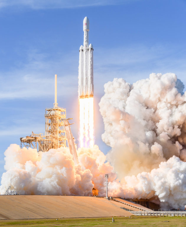 Photos document the Falcon Heavy rocket launch from high ...