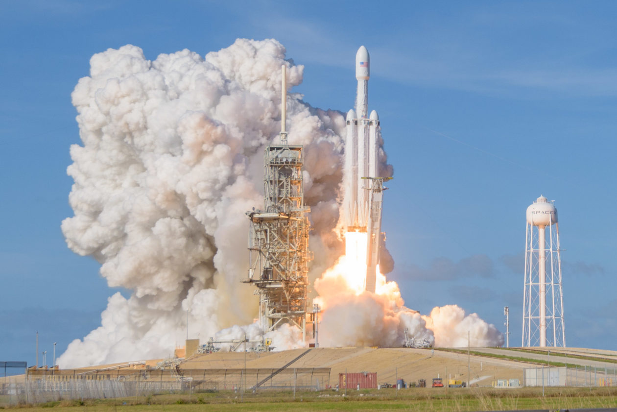 Elon Musk's SpaceX aims to raise $500M as it makes ...
