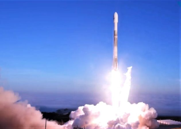 Watch SpaceX Launch 10 Satellites Into Orbit