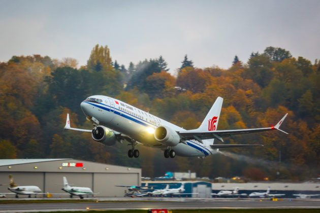 737 MAX 8 takeoff