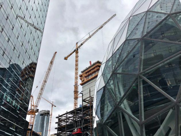 Amazon halts Seattle building awaiting council tax vote