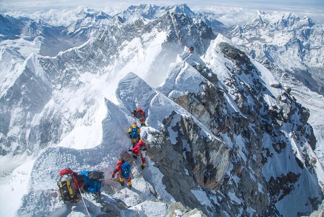 Seattle biotech journalist reaches summit of Mount Everest in bid to