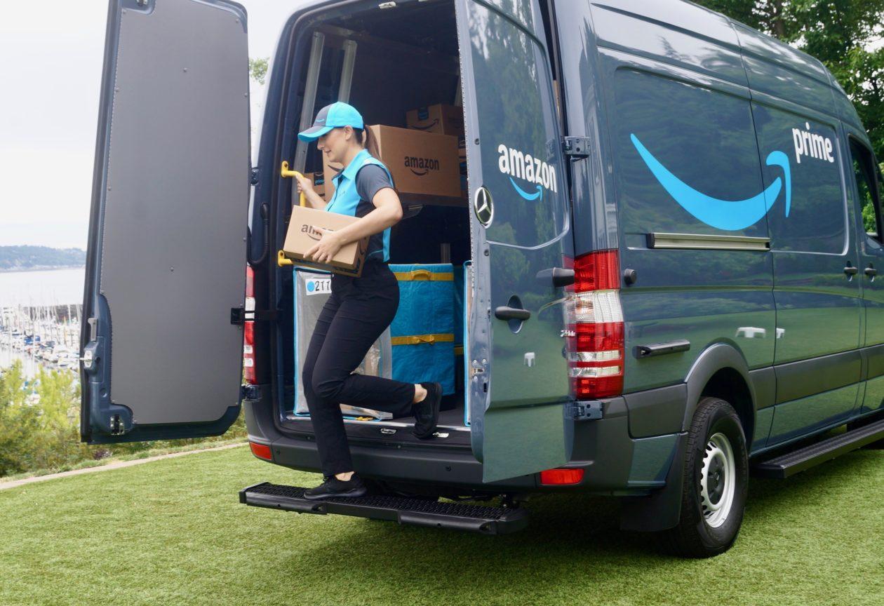 Amazon S New Blue Crew Tech Giant Enlists Entrepreneurs