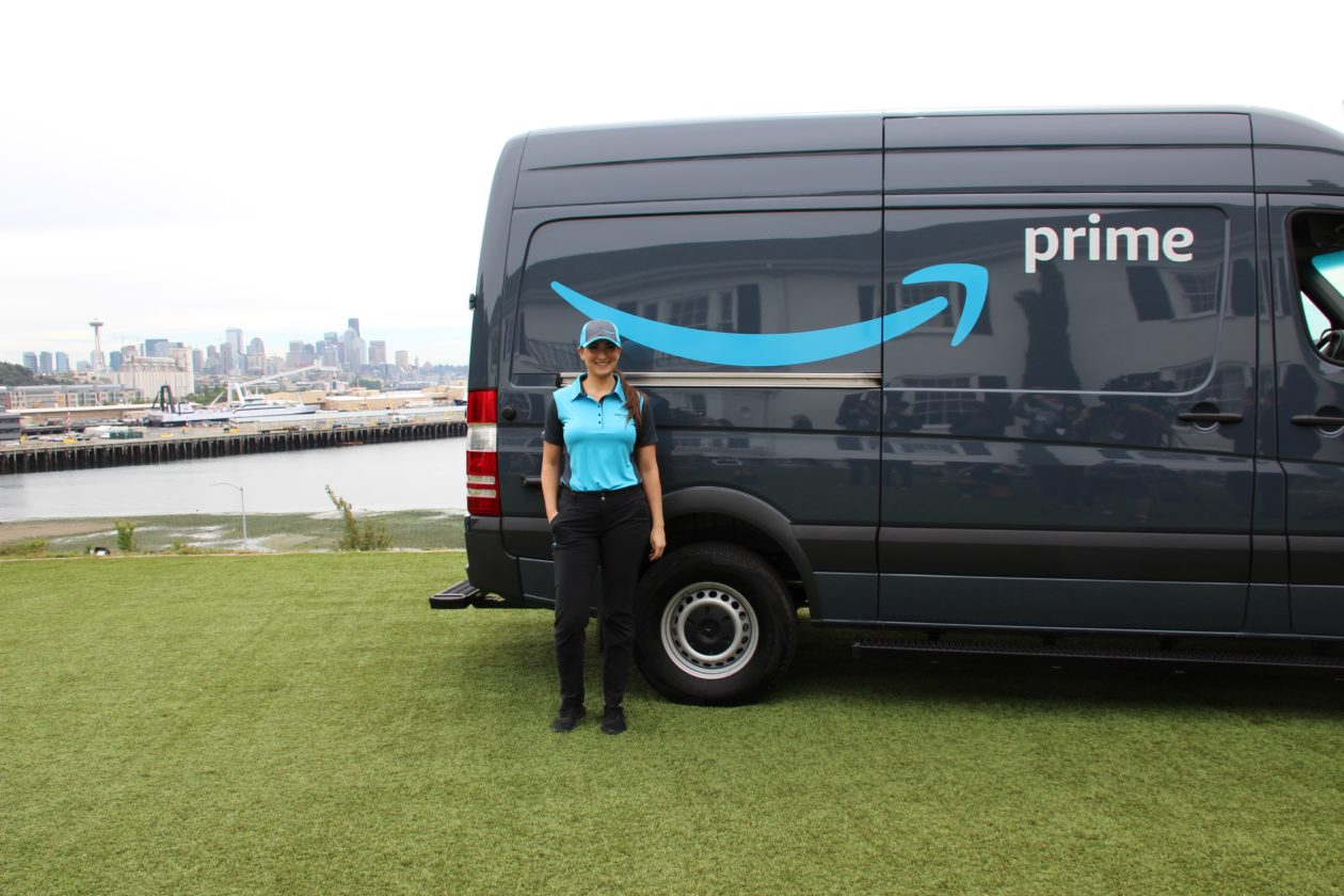 Amazon S New Blue Crew Tech Giant Enlists Entrepreneurs