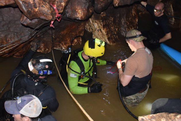 Rescuers in Thai cave complex