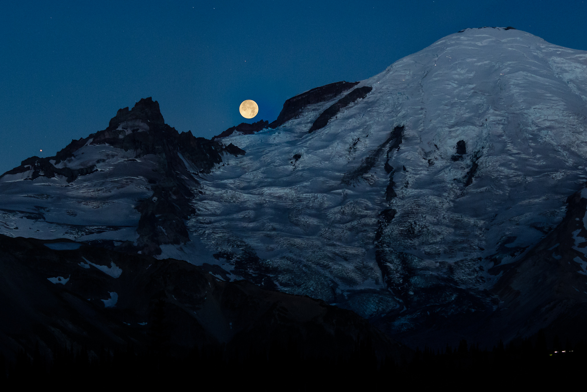 Kevin Lisota Smart Technology Logitech Momo Pedal Wiring Diagram The Full Moon And Mars Set Over Mount Rainier Flashlights From Climbers Can Be Seen Near Summit Click On Image For A Larger Version