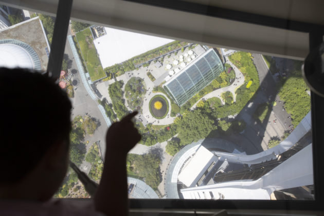 Space Needle Unveils World S Only Revolving Glass Floor