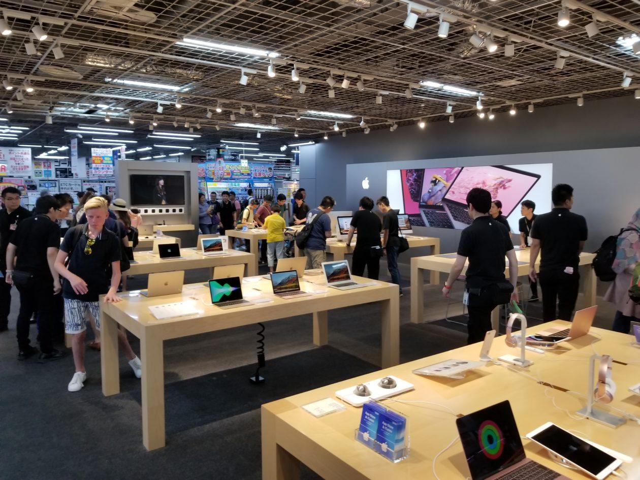 inside tokyo s epic electronics store apple vs microsoft plenty