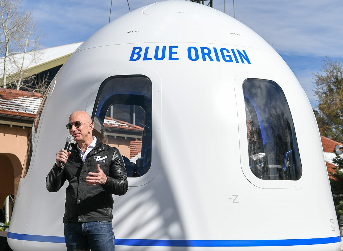 Financial analyst sees Jeff Bezos' investment as an 'emerging force' in space, to Amazon's benefit