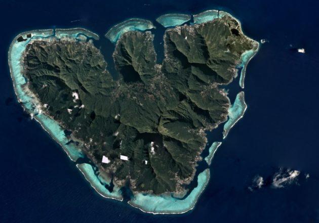 Mo'orea Island