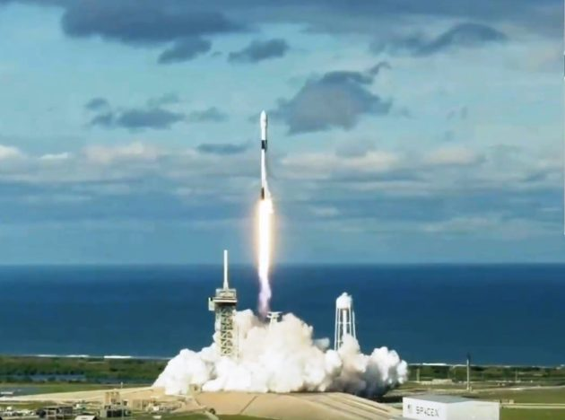 Watch the Falcon 9 rocket blast off for the Qatari satellite mission