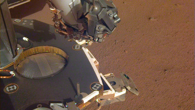 NASA's InSight lander 'hears' Martian wind