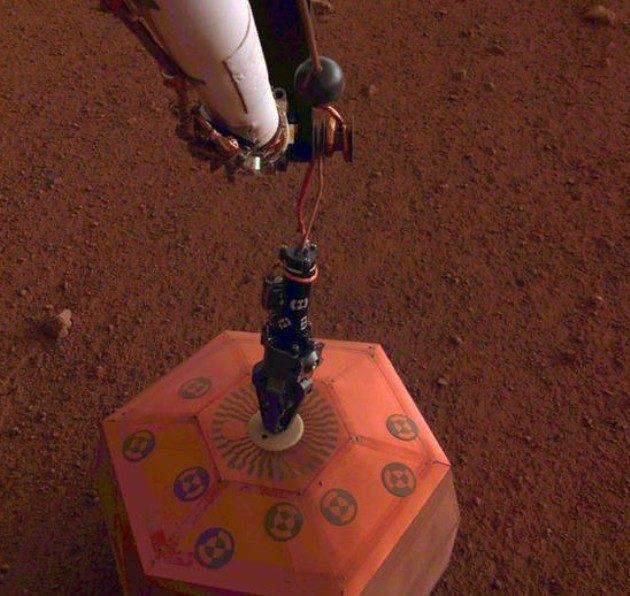 Mars seismometer