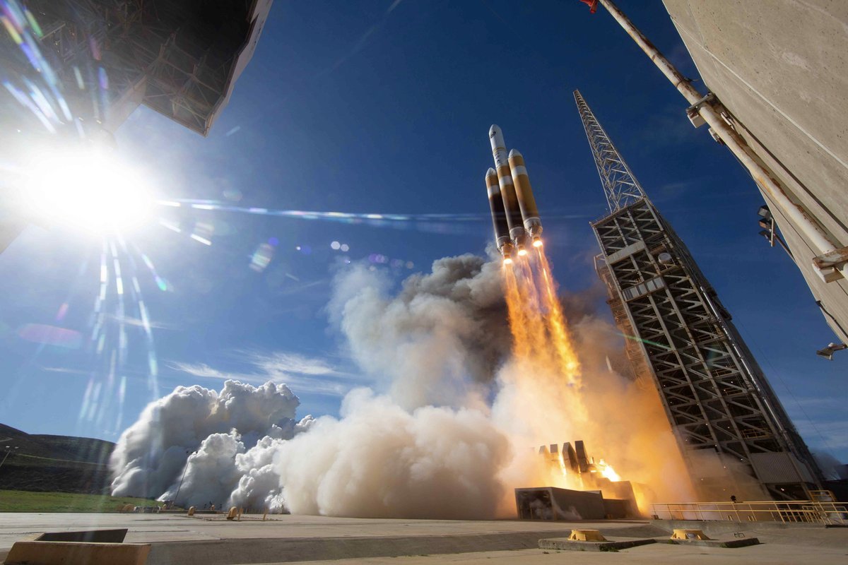 Delta 4 Rocket Launches Nrol 71 Spy Satellite After A