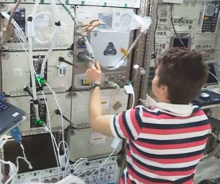 Astronauts install Tethers Unlimited's 3-D printer plus recycler on space station