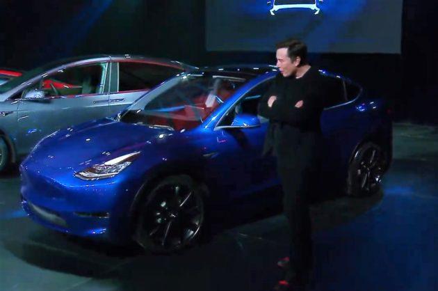 Elon Musk avec le modèle Y  Teson Elon Musk présente le SUV multisegment Model Y – Newstrotteur 190314 model y 630x418