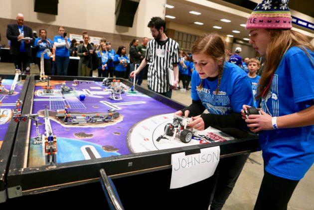 In first GeekWire Robotics Cup, school kids engineer a