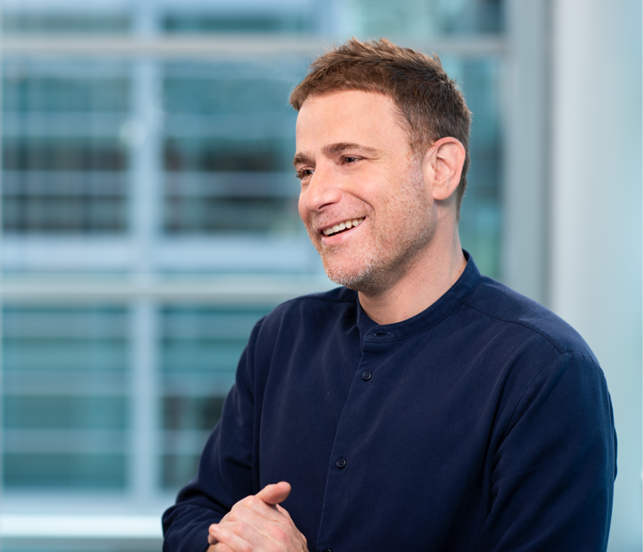 Slack posts $141 mln annual loss as it files to go public