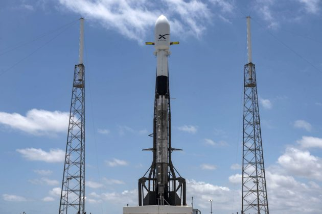 SpaceX counts down to a launch that'll deal out 60 Starlink broadband satellites