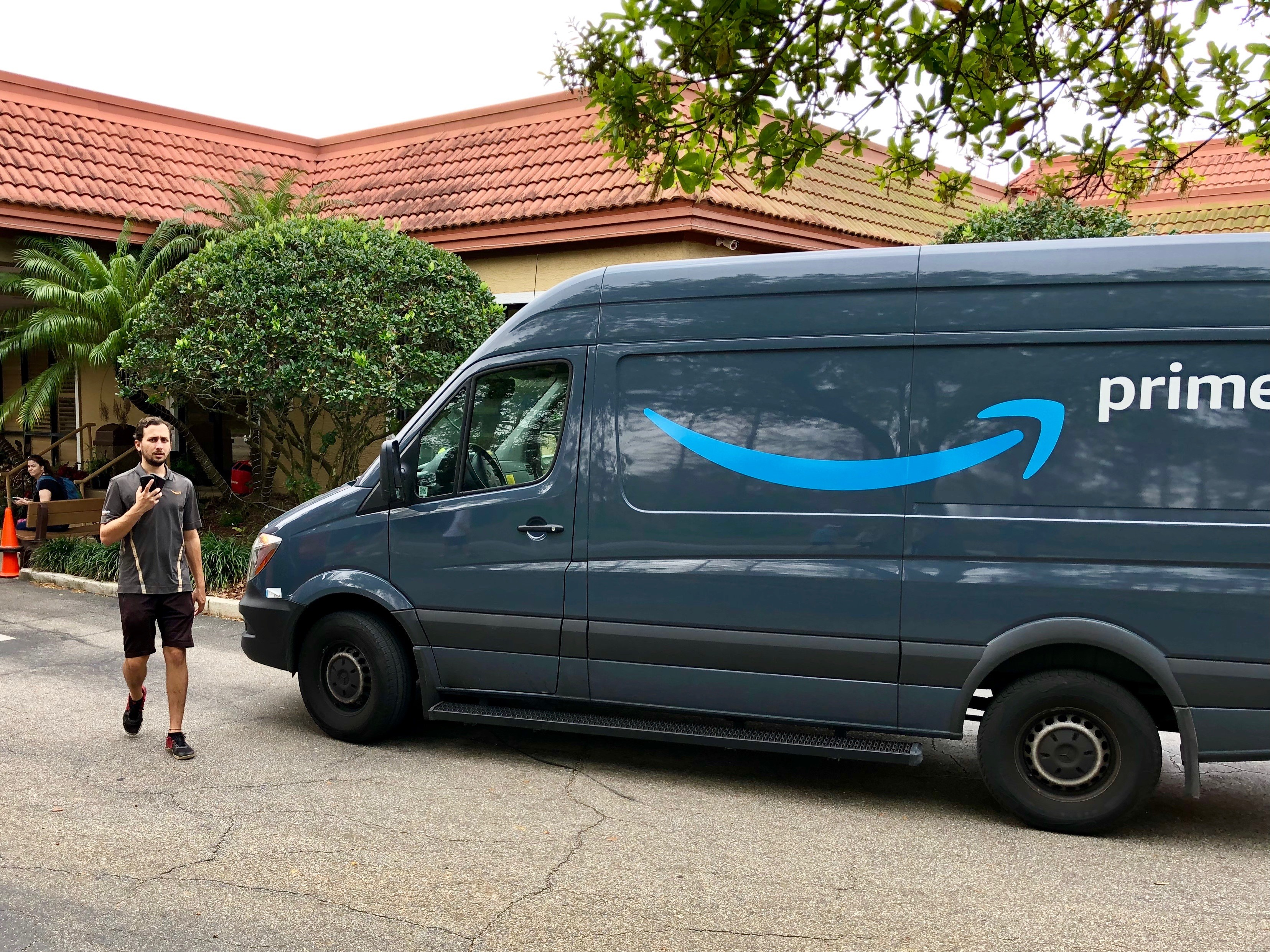 Ups Package Delivery Driver Salary >> Amazon Offers Its Employees Funding To Quit And Start Their