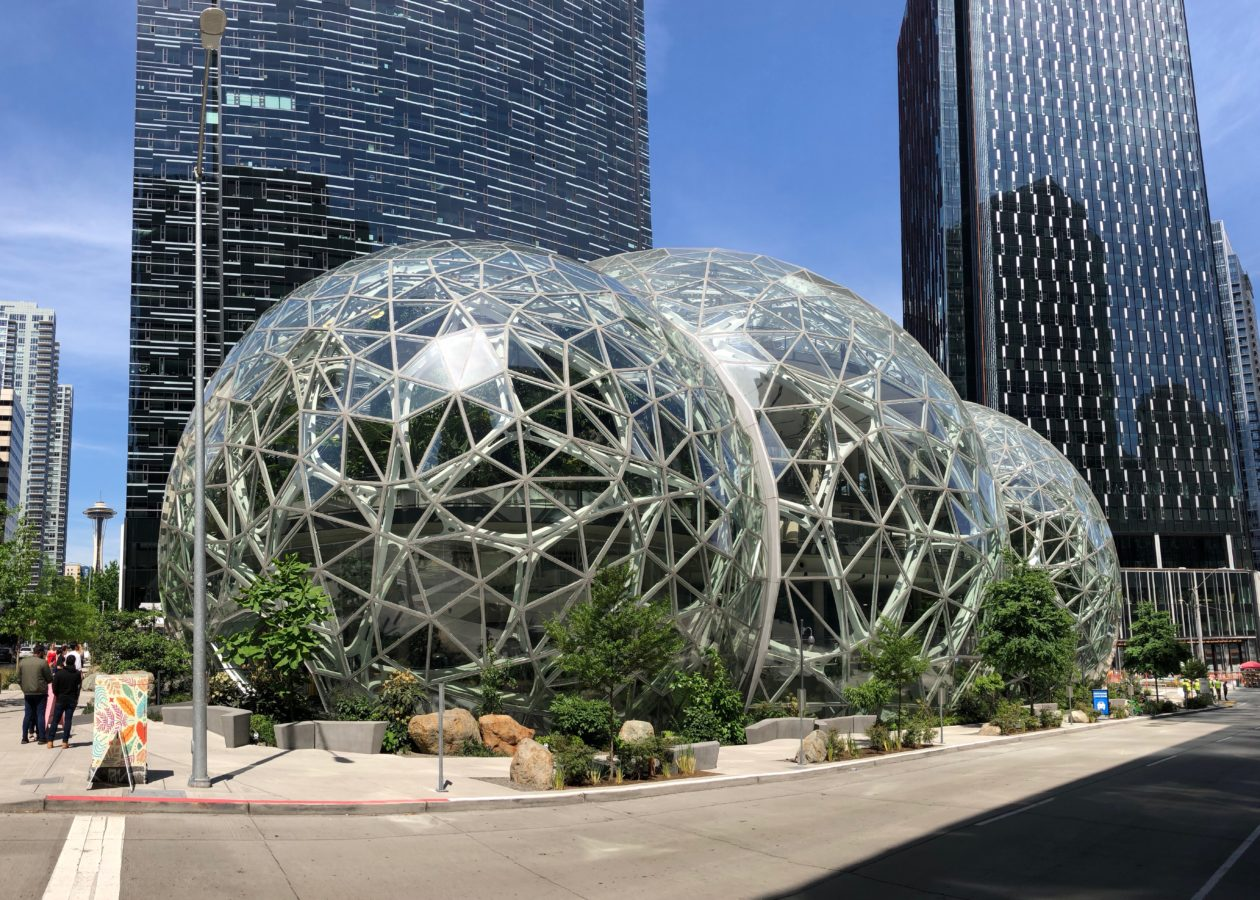 Amazon bolsters its clean energy leadership with 9 new projects worldwide