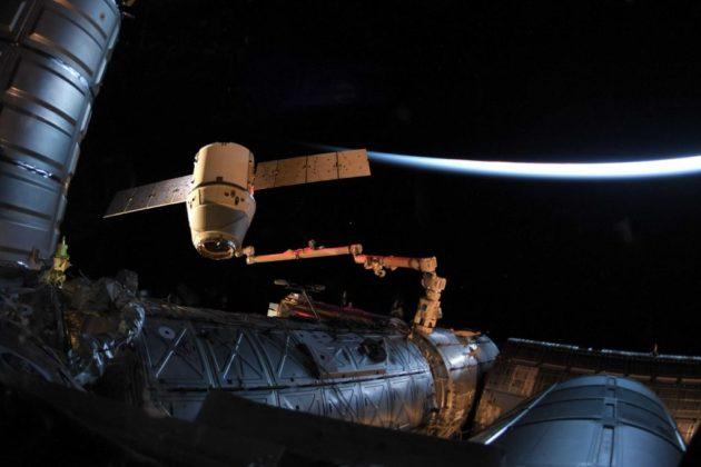 SpaceX Dragon cargo ship splashes down