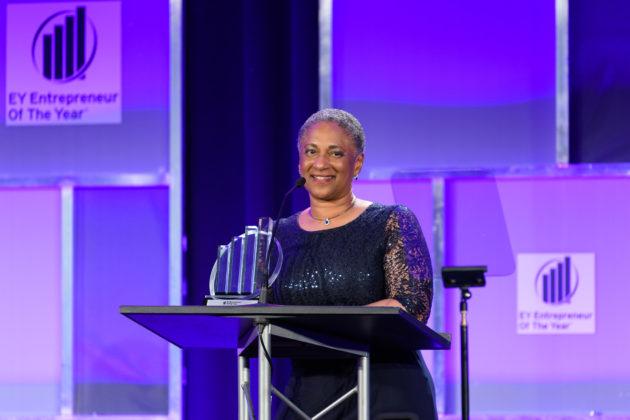 Voici les lauréats du prix Entrepreneur de l'année 2019 d'EY pour la région Nord-Ouest du Pacifique – Newstrotteur 20190614 EY EOY Gala 1091 630x420