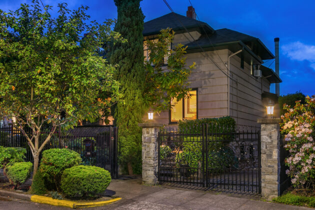 Lock & Leave Luxury: Historic Home, Delicious Gardens & Killer Views – Geek Home of the Week