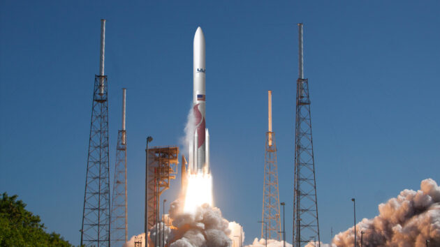 ULA's Vulcan rocket selected for launches of moon probe and mini-shuttle in 2021