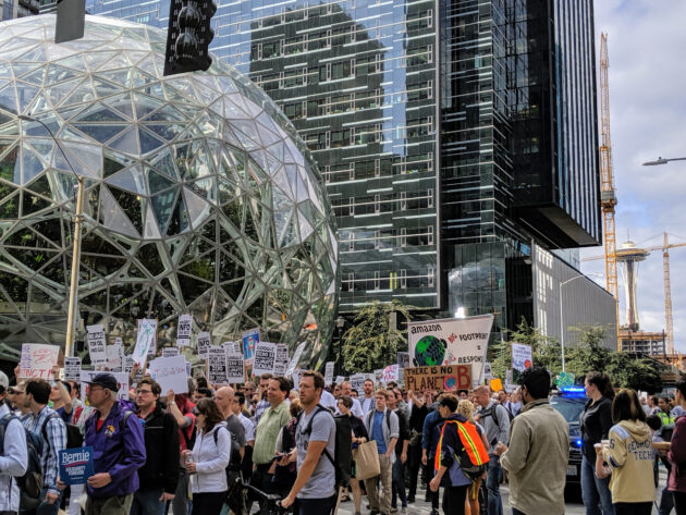Thousands of tech workers fighting for climate action descend on Amazon HQ