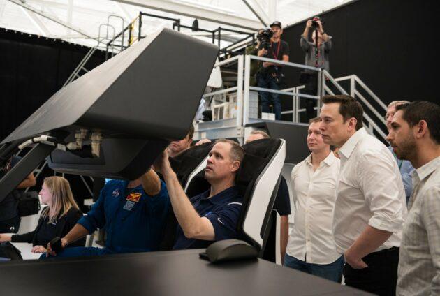 NASA's Jim Bridenstine in SpaceX Crew Dragon simulation