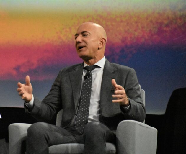 Bezos's Blue Origin partners with Lockheed, others on moon lander