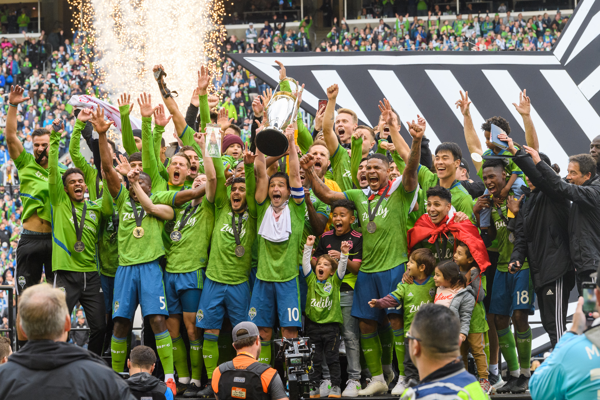 scenes from the epic sounders mls cup win tech execs enjoy championship as new owners geekwire scenes from the epic sounders mls cup win tech execs enjoy championship as new owners geekwire