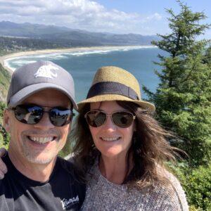 Comment le PDG de Yapta, James Filsinger, maintient la culture tout en développant le nombre croissant de jeunes voyageant en entreprise James Nancy Oregon Coast 300x300