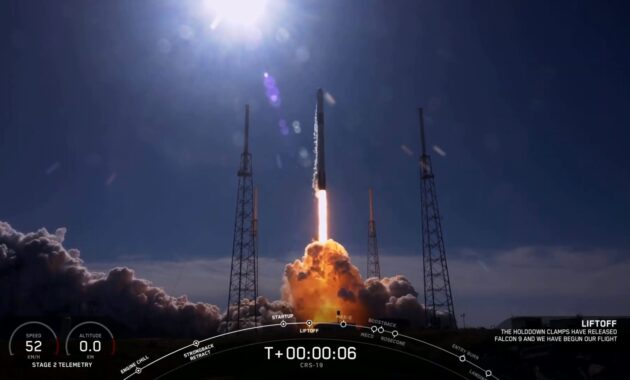 Watch SpaceX launch a Dragon capsule twice flew direct from the ISS