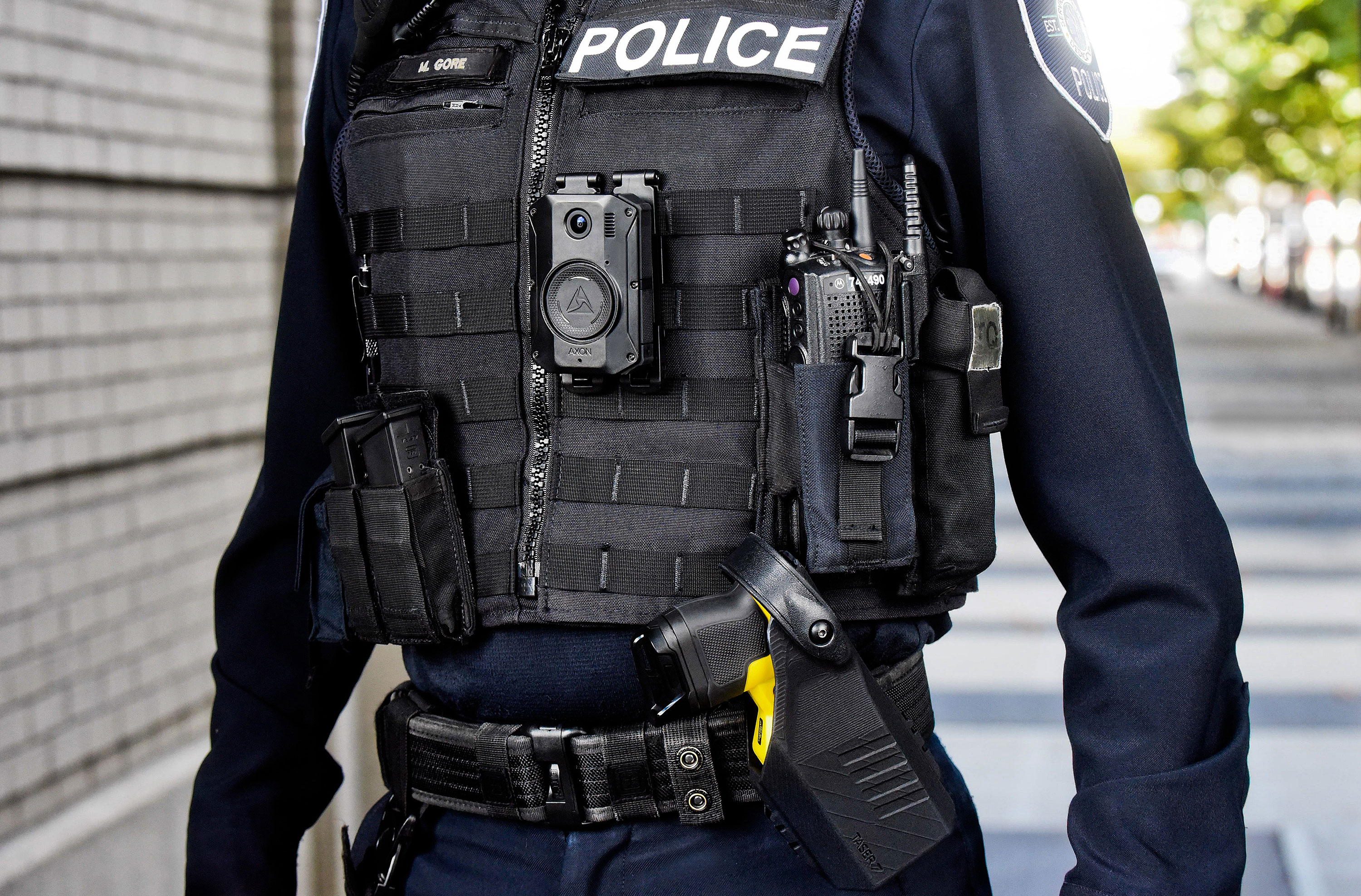 Axon rolls out police body cameras with live-streaming capability - GeekWire