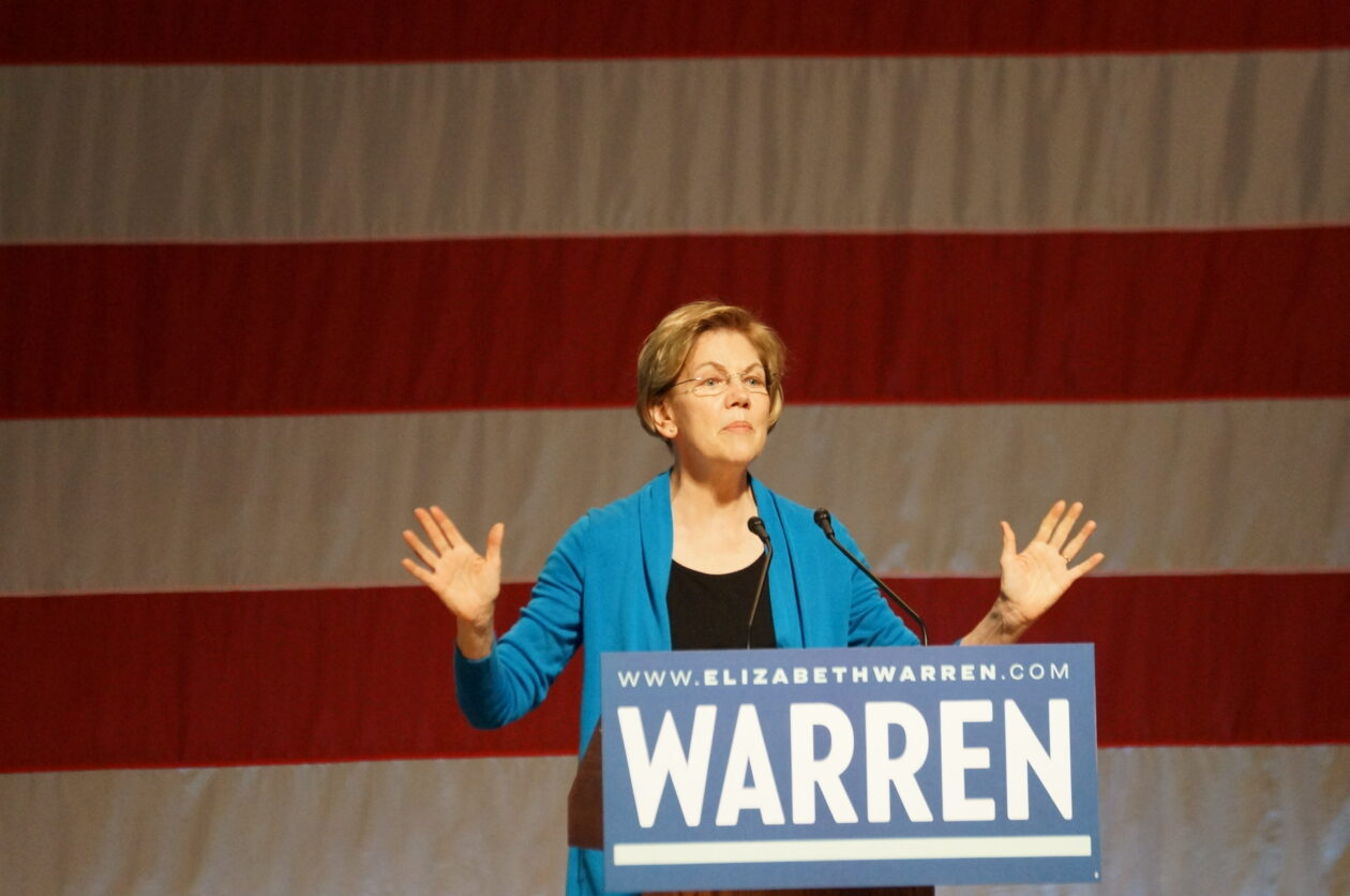 Elizabeth Warren takes aim at Amazon's taxes again during speech at Seattle rally