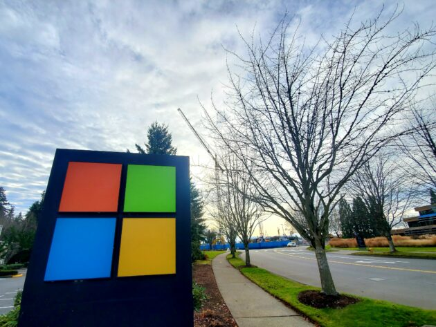 Report: Microsoft giving employees $1,500 bonus in recognition of challenging pandemic year