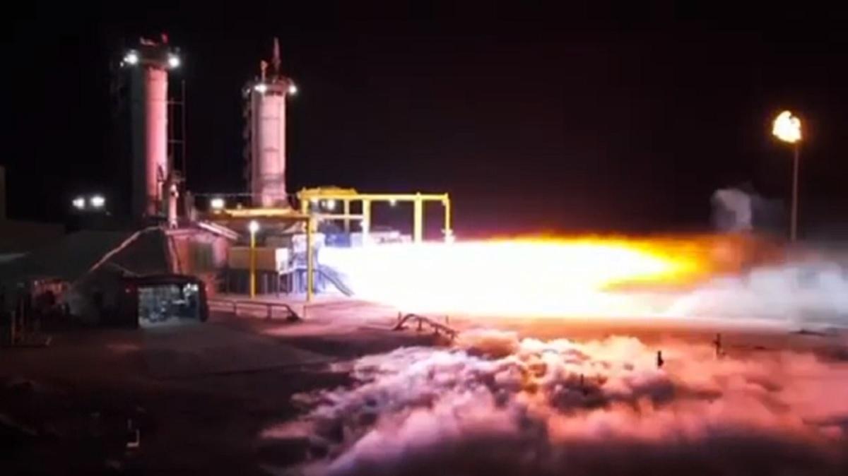 Jeff Bezos kicks back with full-thrust firing of Blue Origin's BE-4 rocket engine in Texas