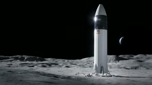 NASA awards $2.9B to SpaceX for Starship lunar lander; Blue Origin team is left out