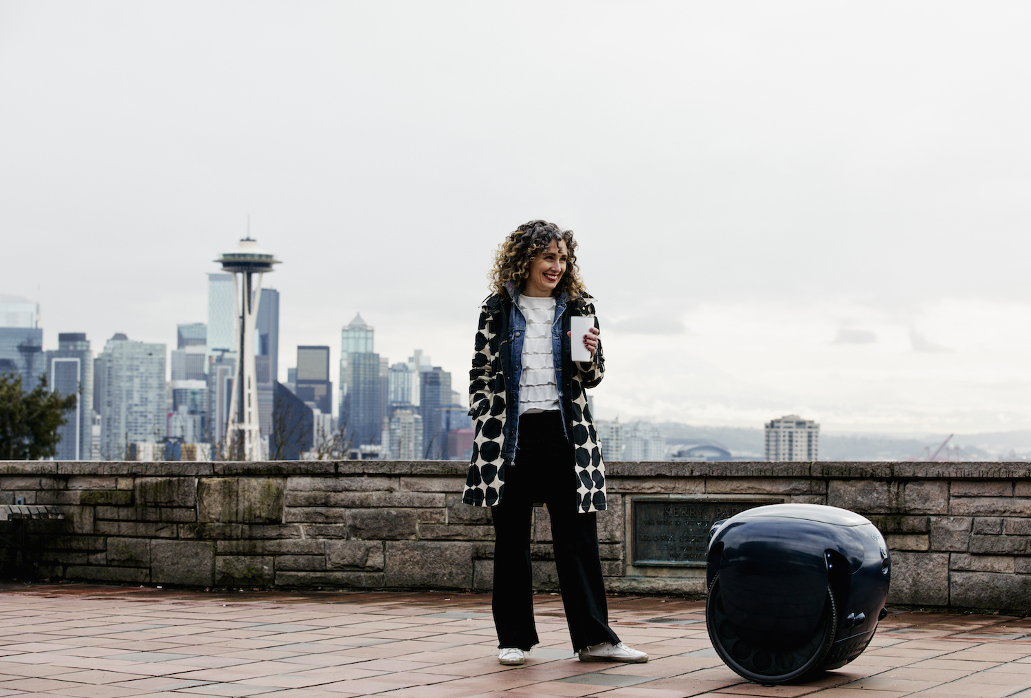 Company targets 'walkable' Seattle with robot that carries your stuff – but is $3k price tag a heavy lift?
