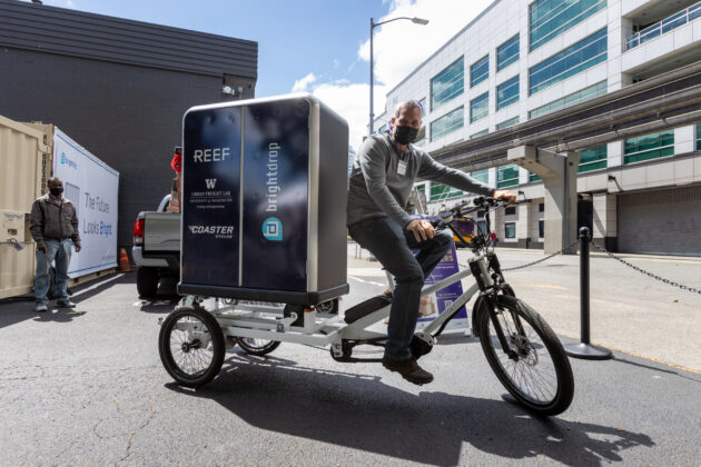 Electric trike, electric bike, urban freight lab