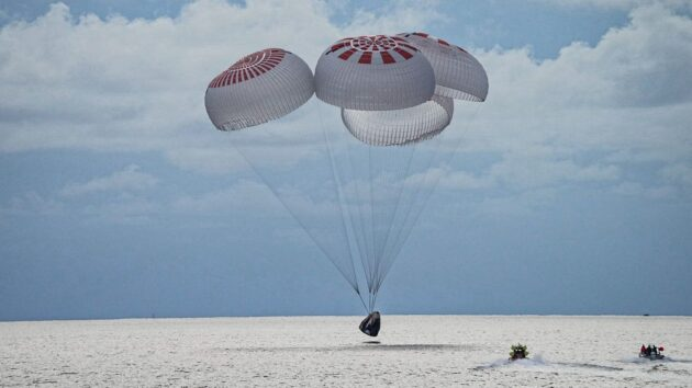 Citizen spacefliers splash down, finishing up Inspiration4's charity mission in orbit